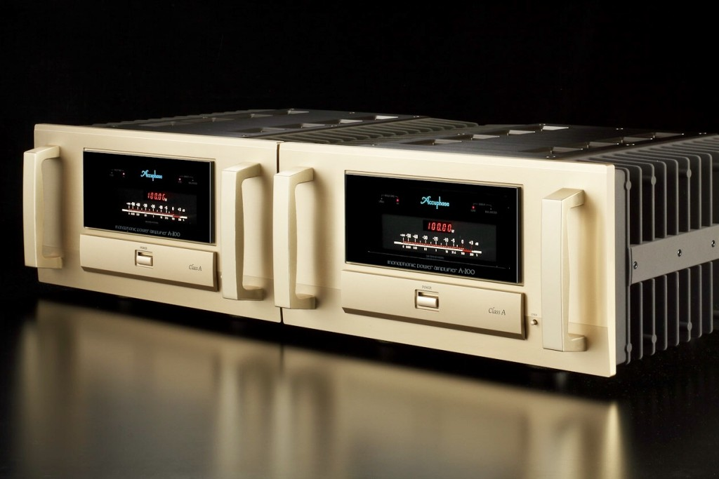 Accuphase A200