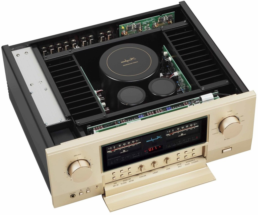 Accuphase A70 inside Audioelite